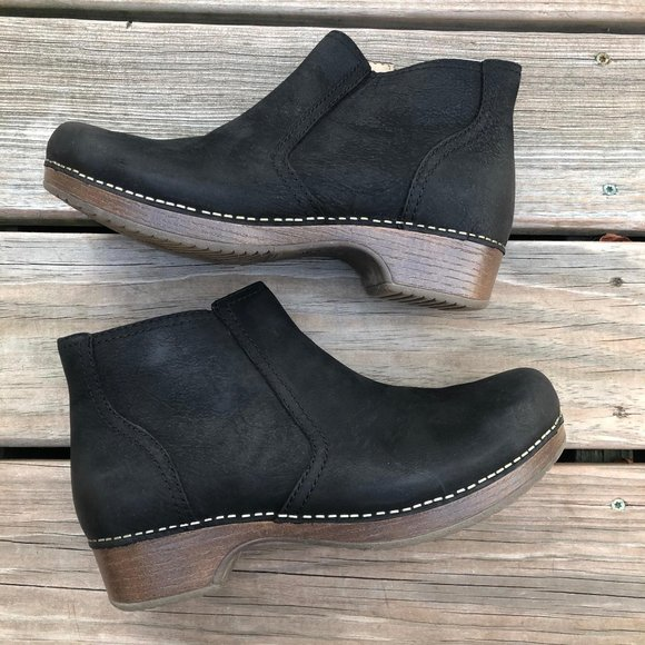 Dansko Women/'s Barbara Ankle Boot Black Burnished Nubuck